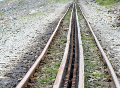 Parallel_lines_meet_at_infinity_-_geograph.org.uk_-_878428.jpg